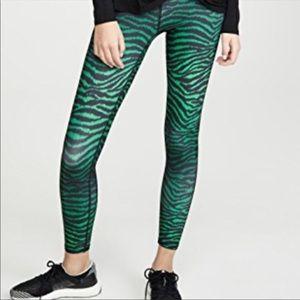 TEREZ Green Tiger Print Leggings SZ XS